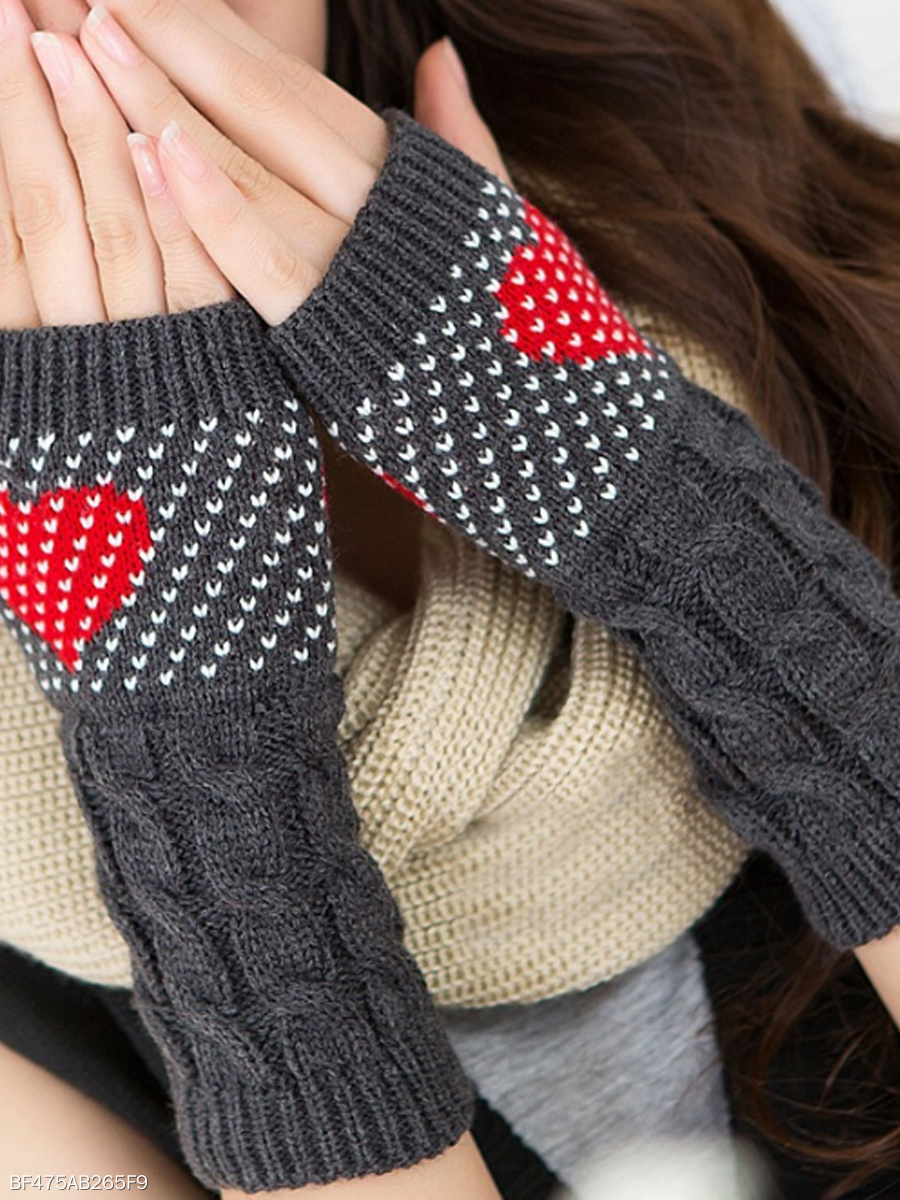 Color Block Heart Knit Gloves
