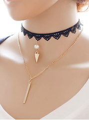 Bar Pendant Layers Choker
