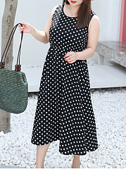 Round Neck  Back Hole  Polka Dot Plus Size Midi & Maxi Dresses