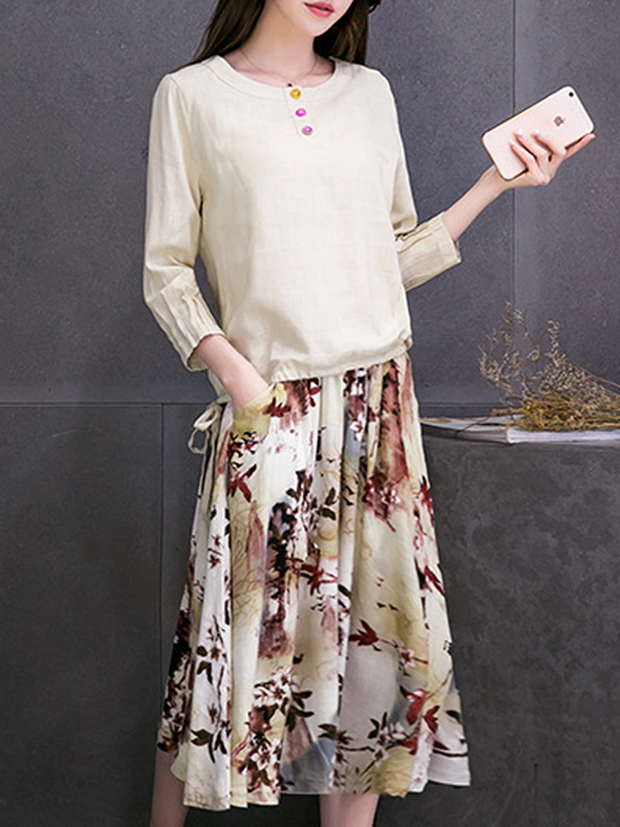 Round Neck T-Shirt And Printed Pocket Flared Midi Skirt