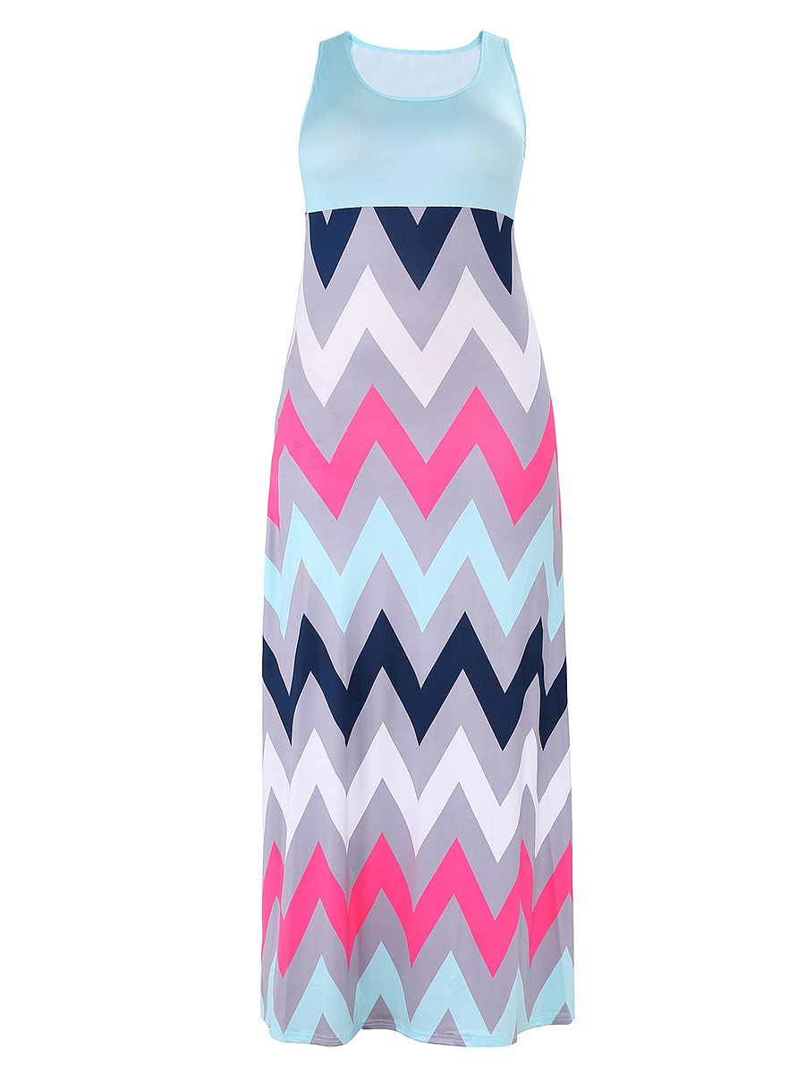 Zigzag Striped Round Neck Plus Size Maxi Dress