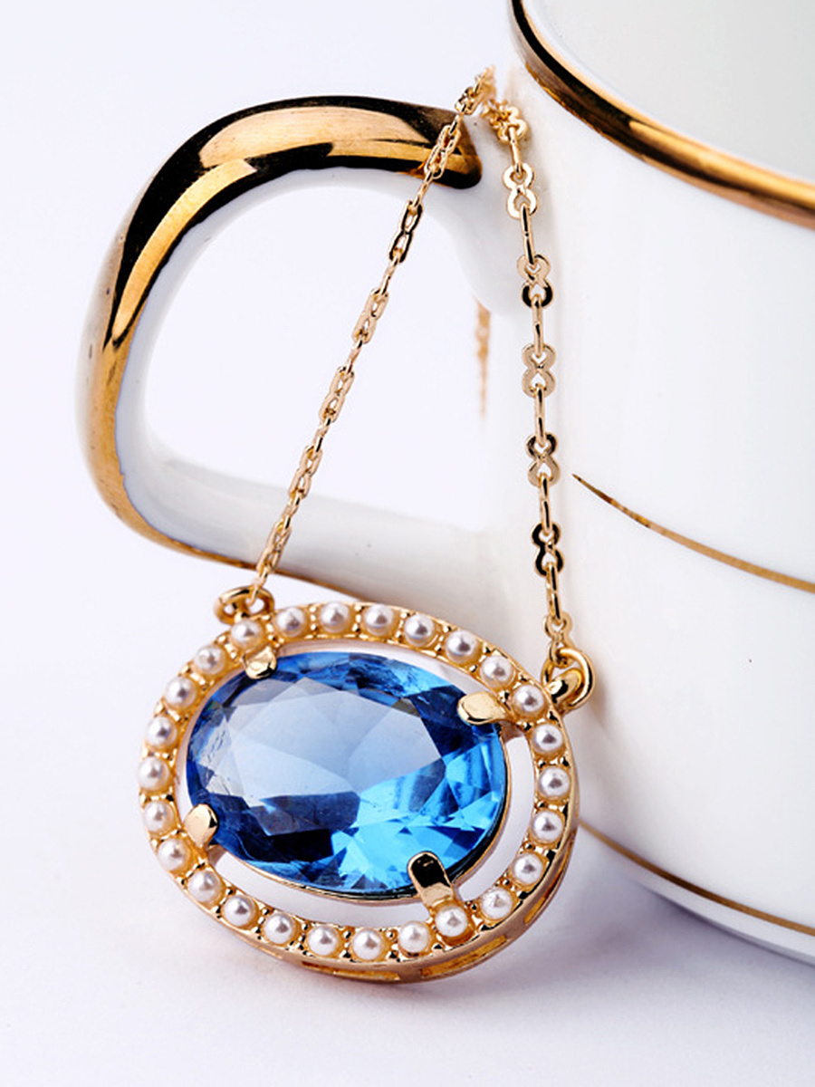 Faux Crystal Pendant Chain Necklace