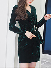 V-Neck Single Button Plain Ruched Velvet Bodycon Dress