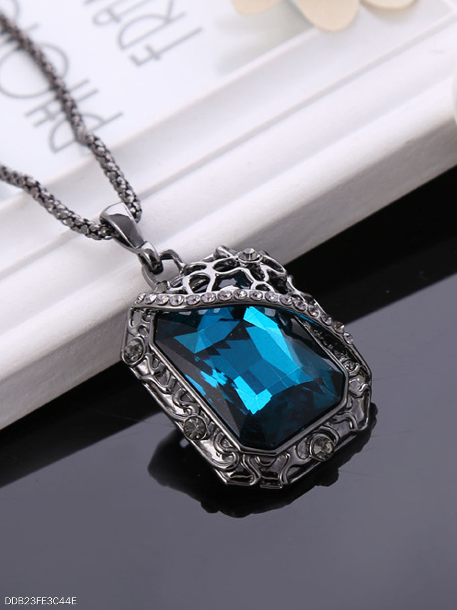 Squared Imitated Crystal Long Necklace