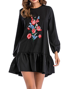 Round Neck  Embroidery  Polyester Shift Dress