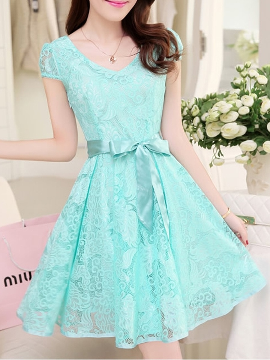 V-Neck Bowknot Hollow Out Plain Lace Skater Dress