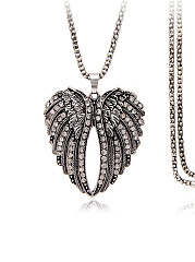 Wing Shape Pendant Necklace