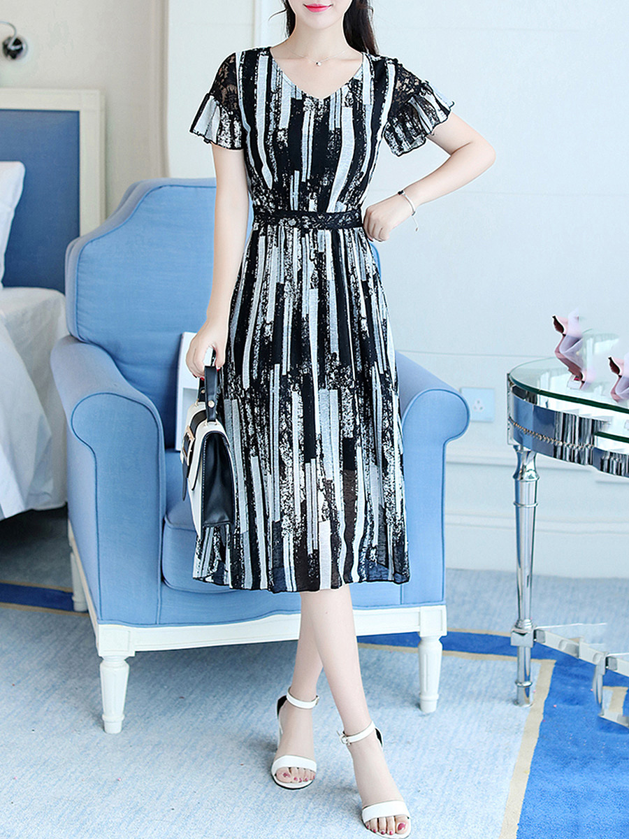 V-Neck Hollow Out Bell Sleeve Chiffon Maxi Dress