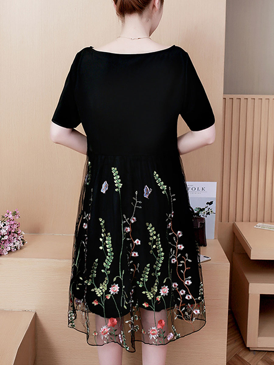 Round Neck Patchwork Embroidery Skater Dress