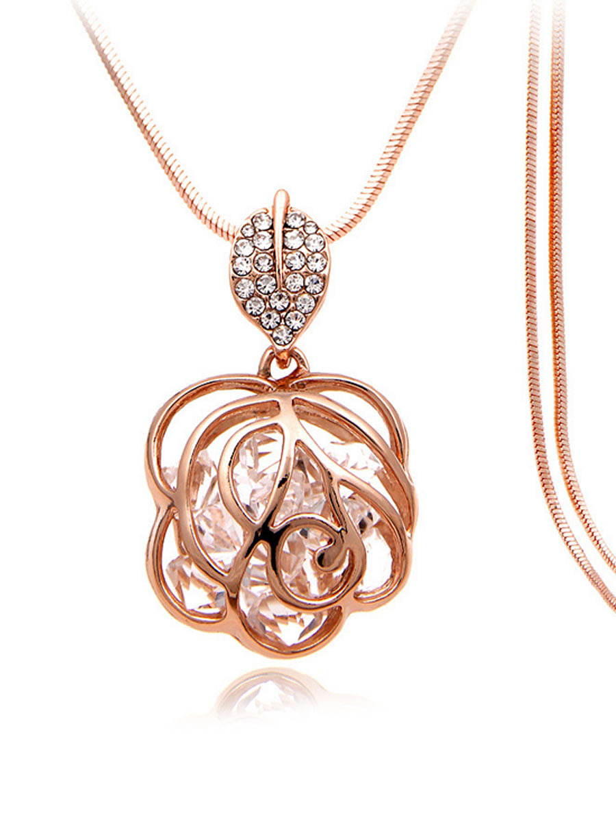 Hollow Out Rhinestone Rose Shape Necklace