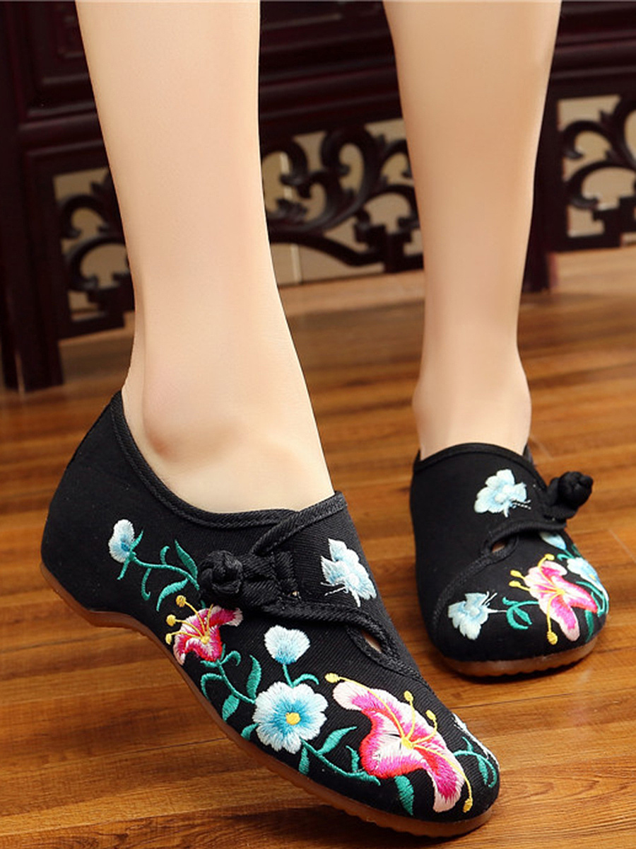 Floral Embroidery Single Button Hidden Heel Loafers